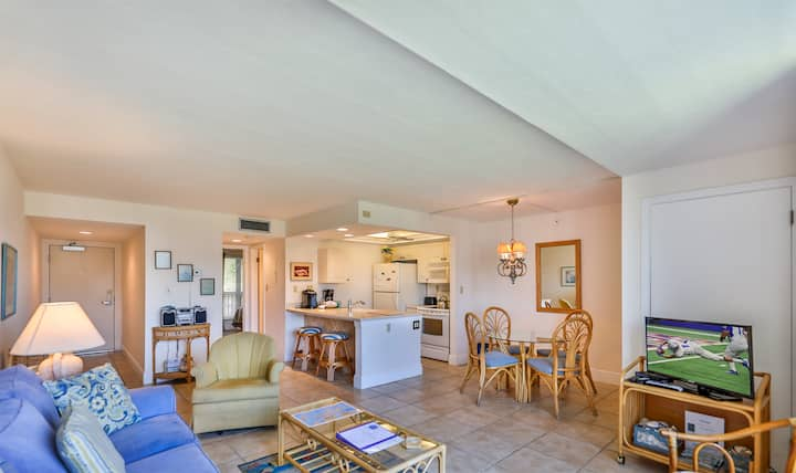 SUNDIAL D311 - 1BD CONDO ON SANIBEL JUST STEPS TO THE GULF!
