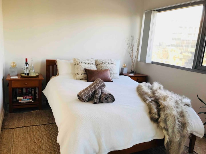 Modern Cosy Bedroom in Parramatta CBD