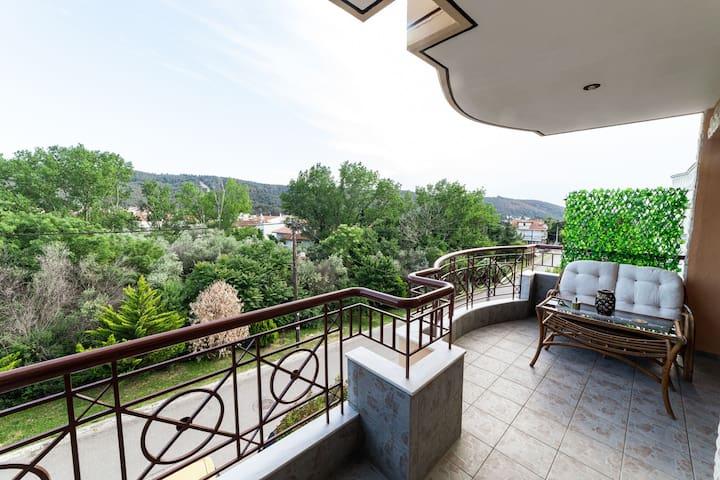 Plush Villa in Pefka Thessalonik with Garden