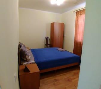 Комната в гостевом доме в 400 метрах от моря