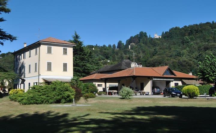 villa nel verde Lago d' orta