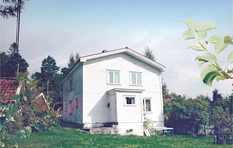 Holiday cottage with 2 bedrooms on 115m² in Sandnes