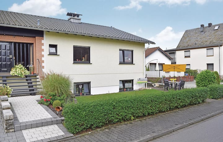Holiday apartment with 1 bedroom on 65m² in Horhausen