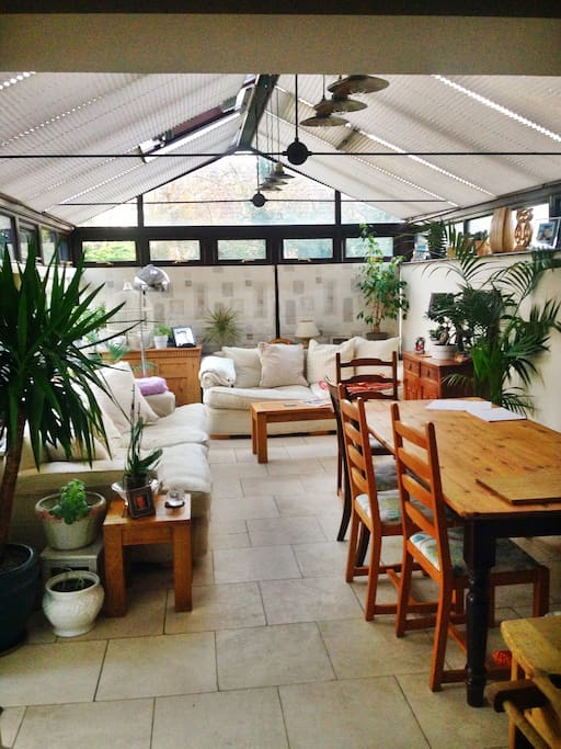 Spacious Conservatory Area