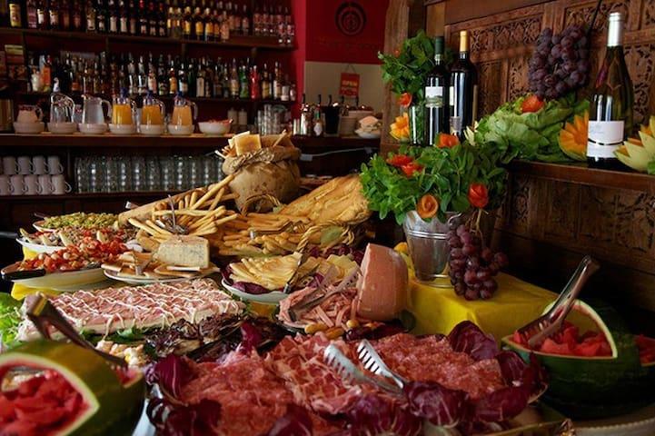 Villa aperitivo - Boloña - Villa