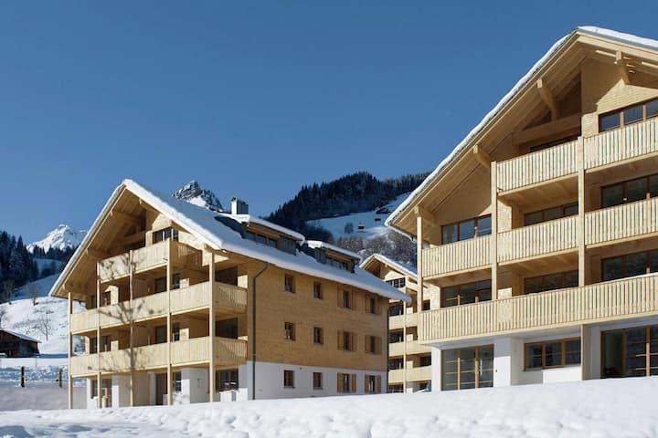 Vibrant Apartment near Ski Slopes in Brand