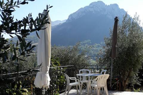 Villa Fauvette unter Olivenbäumen