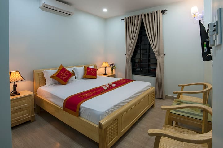 Hue Homestay Riverside - Elegant Room