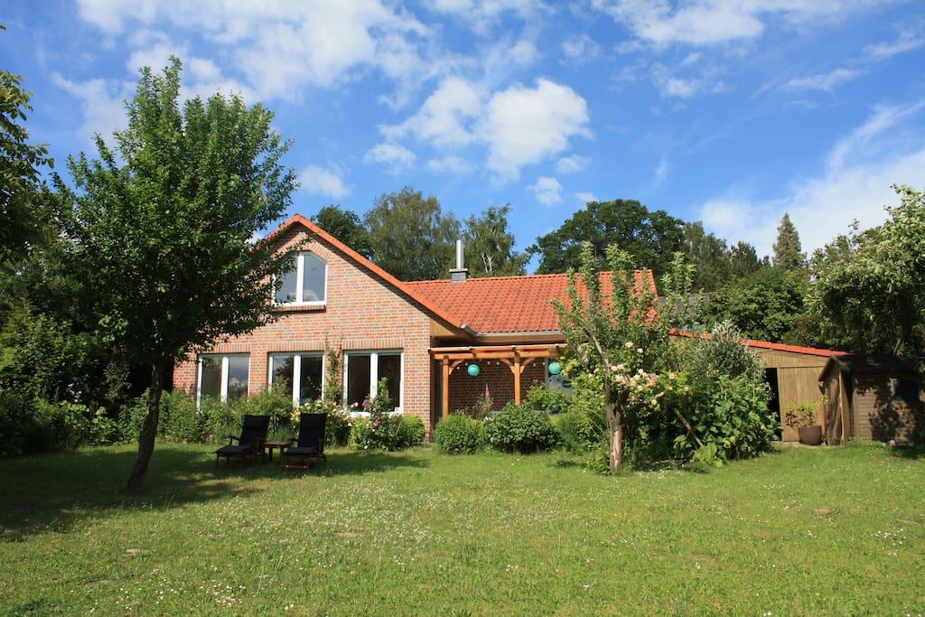 Skandinavisches haus am see  Haus am See im Biosphärenreservat Schaalsee - Houses for Rent in ...