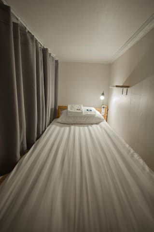 G Guesthouse Hongdae / 7-Bed Mixed Dorm - 3