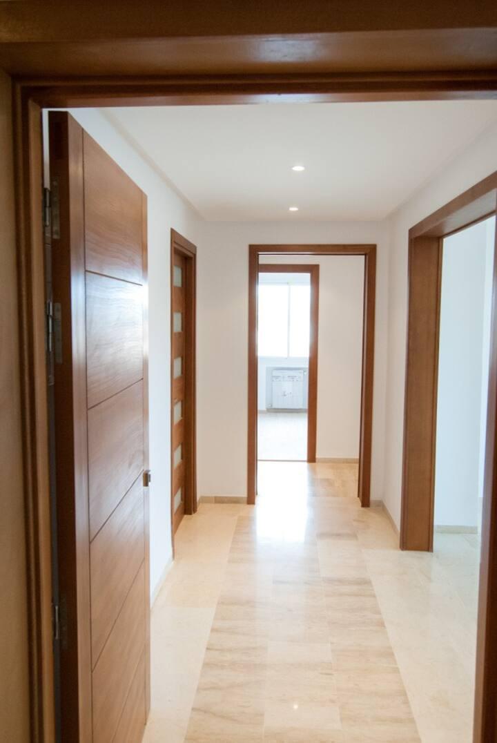 Appt Stg meublé S+3 de 135 m2 à 10 mn de Tunis C-V