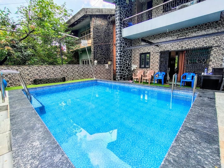 Blue Heaven- 2 BHK with private pool. Lonavala.