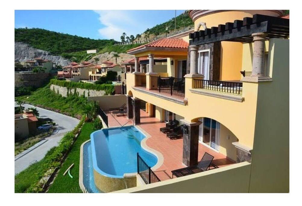Montecristo Villa