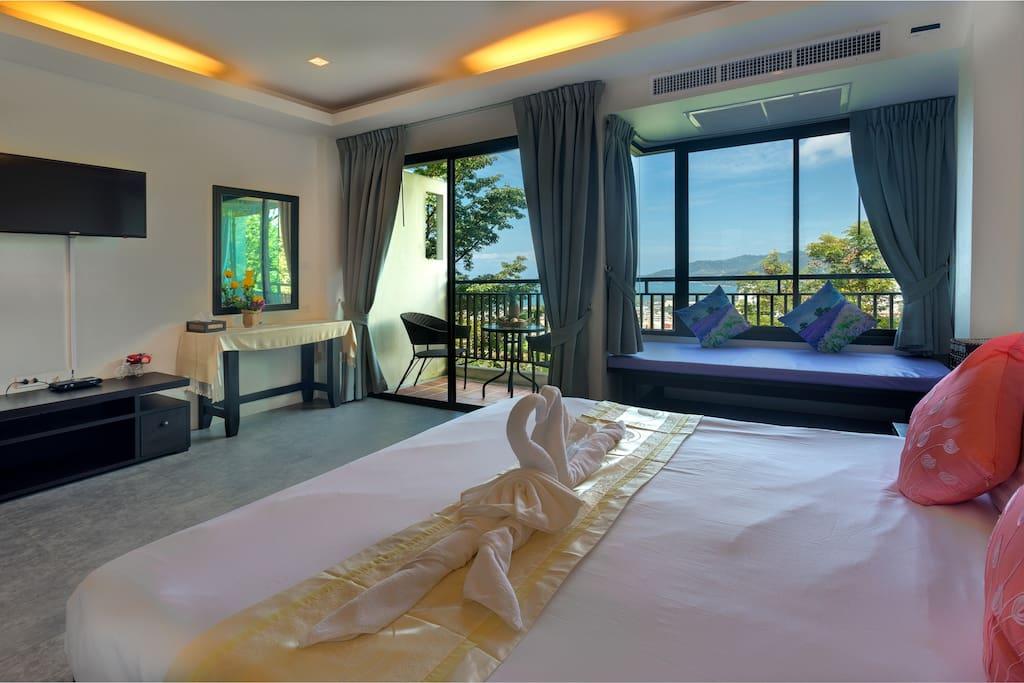 seaview room & balcony