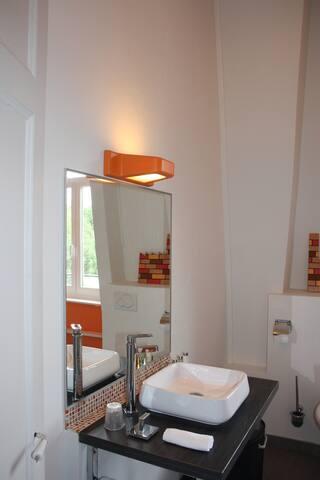 Bel appartement privé dans maison bourgeoise - Roubaix - Rumah Tamu