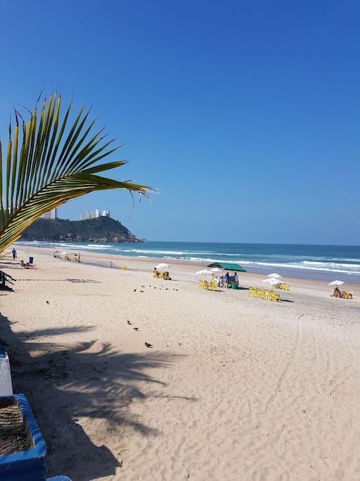 Praia do tombo, areia e água limpa, surf e esporte de Praia