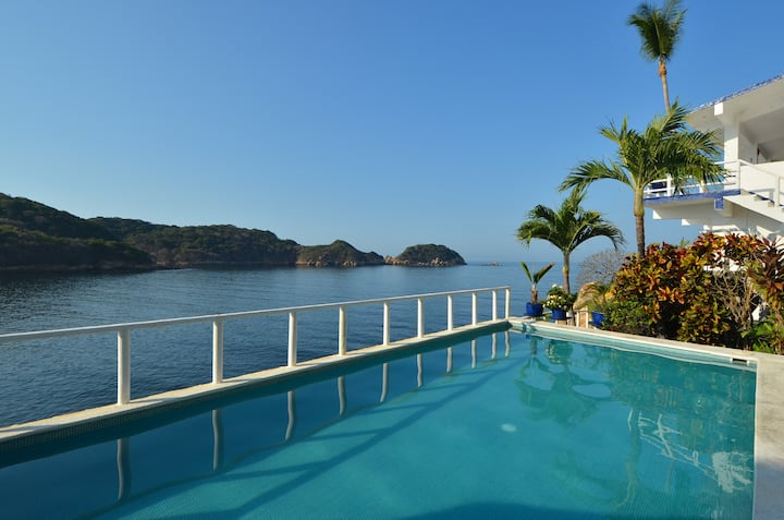 Acapulco Oceanfront Home with Breathtaking Views!!