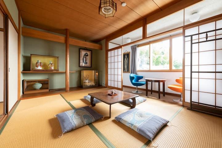 400年の歴史ある日本庭園とフードフォレストに囲まれた邸宅