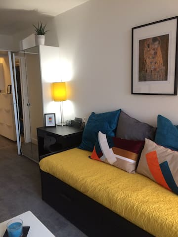 Attractive studio apartment on the edge of Paris - Aubervilliers - Apartamento
