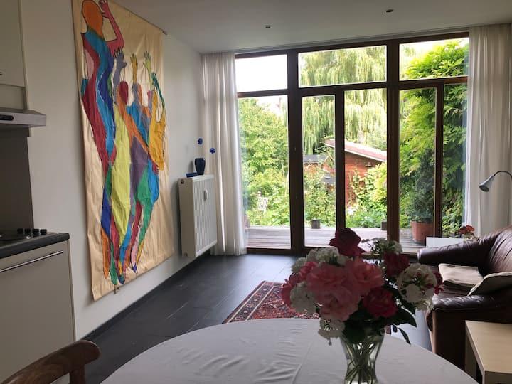 Ruime studio in Leuven centrum voor 1 of 2 gasten.