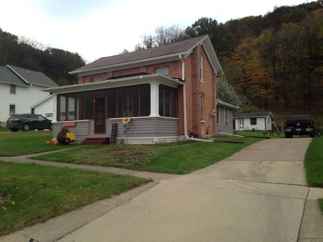 1884 Red Brick Cottage