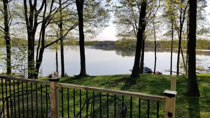 The Hilltop Hideaway on Little Long Lake