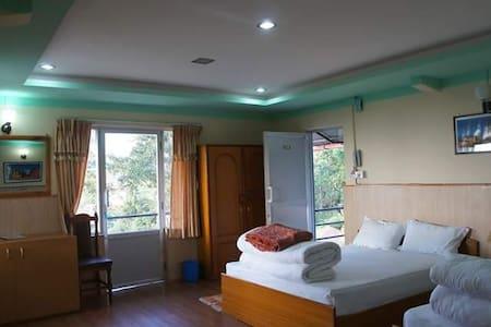 Hotel Mount Paradise (Family room with balcony)