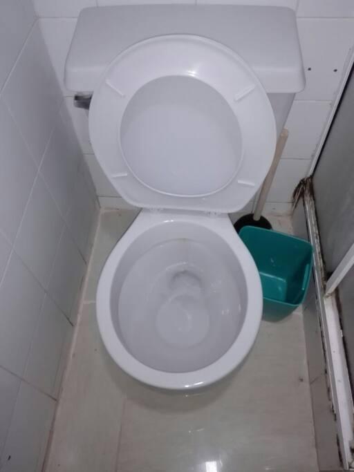 Baño qje se comparte con las habitaciones chicas