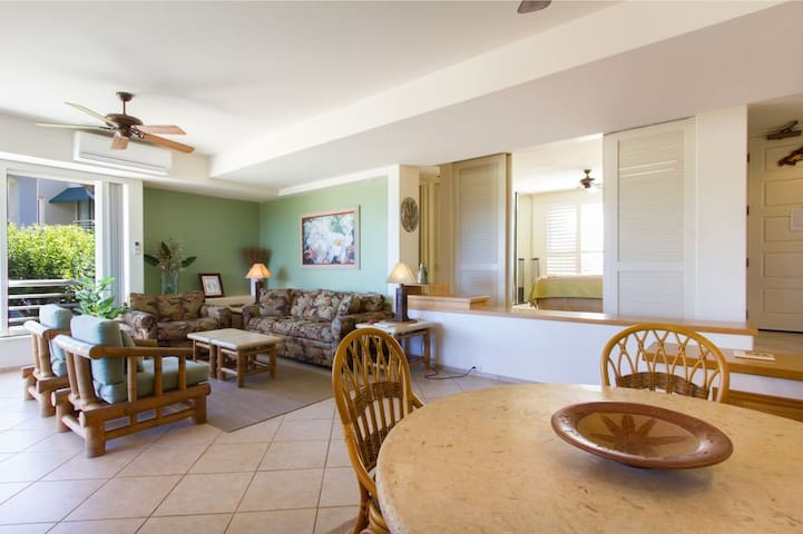 Palms at Wailea 2106-Spacious Floor Plan with Pull Out Sleeper Sofa