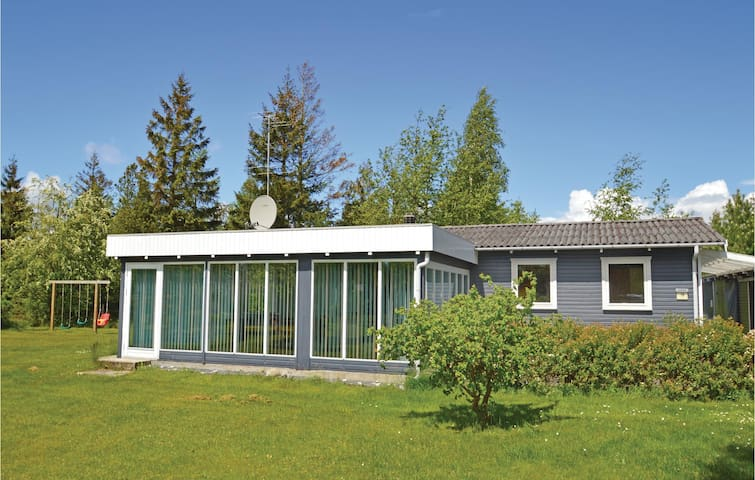 Holiday cottage with 3 bedrooms on 92m² in Væggerløse