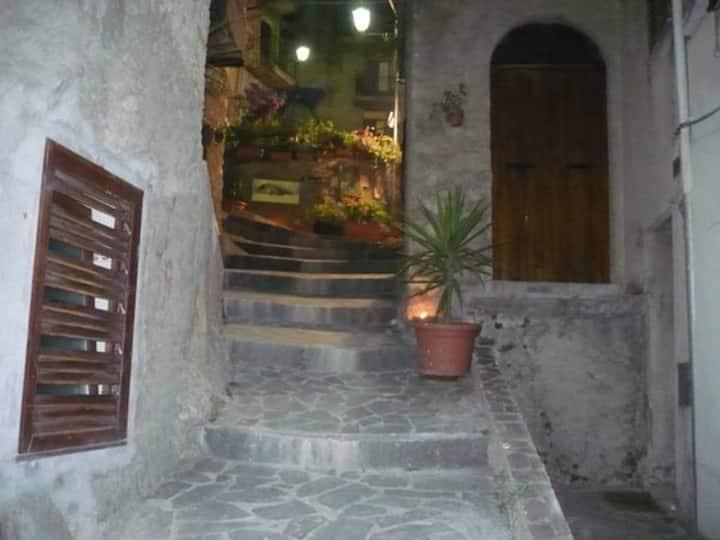 Acasaducasteddu - La stanza delle rose grigie