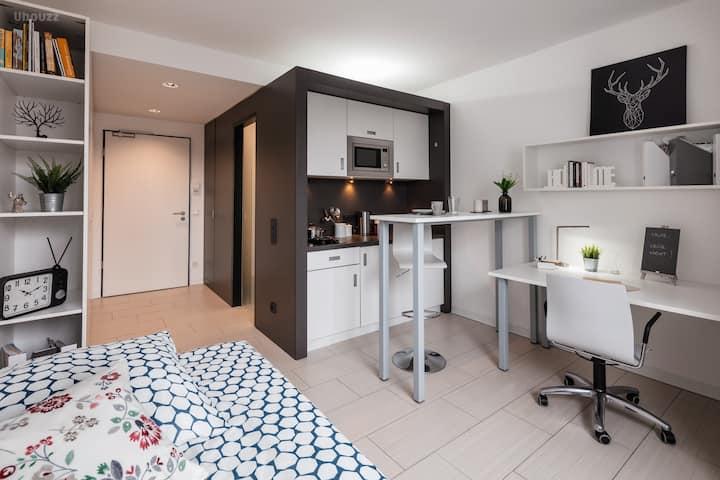 Student Only Property: Fivestar Standard Studio - LOS 12 months 10% off