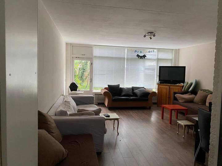 Jim's cozy Hague apartment