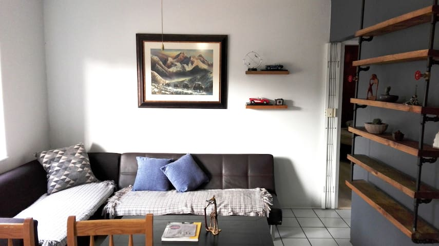 Spacious Self-catering Apartment, Centurion