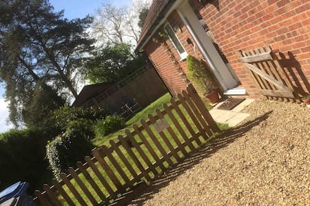 Chestnut Cottage, East Bergholt