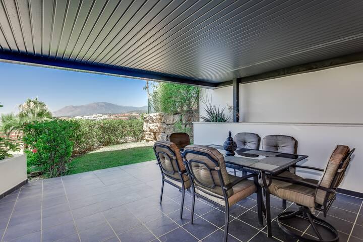 Garden Apartment with Mountain Views,Los Flamingos
