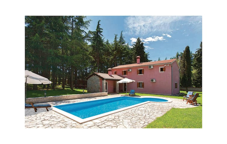 Holiday cottage with 3 bedrooms on 180 m² in Vrsar