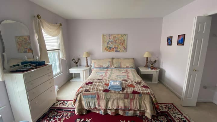 Private & clean room in cozy quiet family home (1)