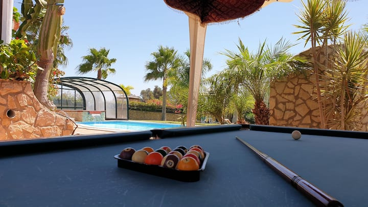 Private room 6 - Amazing Villa w/Pool & Jacuzzi