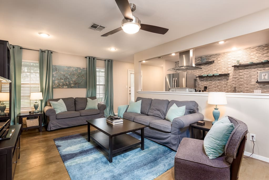 Newly remodeled 4 bedroom home houses for rent in austin texas united states for 2 bedroom house for rent austin tx