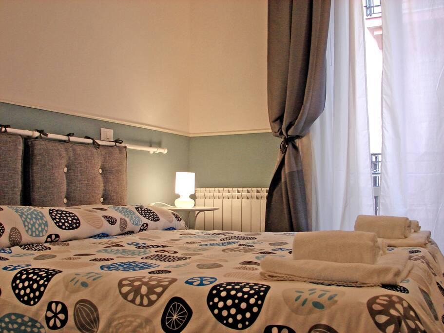 Casa di orione 800m dal policlinico bed and breakfasts for Casa di 750 m