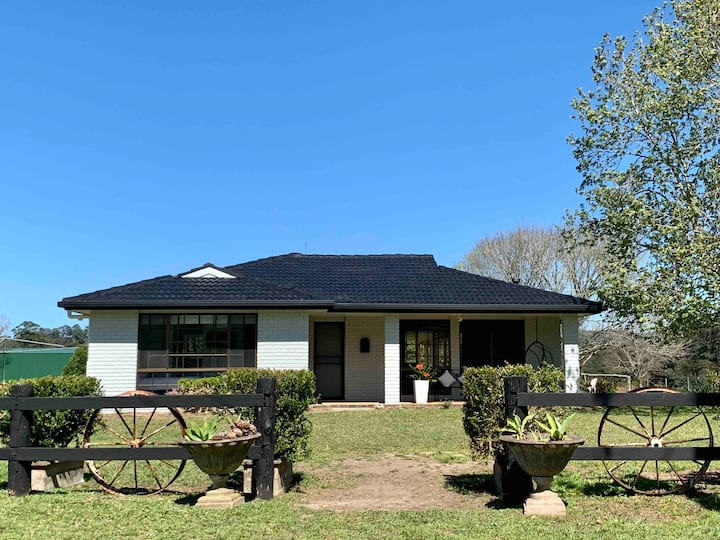 Picturesque and Private Farm House - Reesby