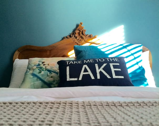 Lake blue room on Park - Moncton - Hus