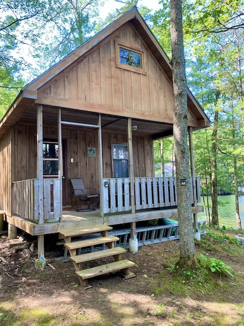 Waterfront Bunkie 90 minutes from Toronto