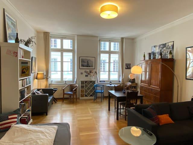 Düsseldorfer Carlsplatz (Mindestmietdauer 1 Monat)