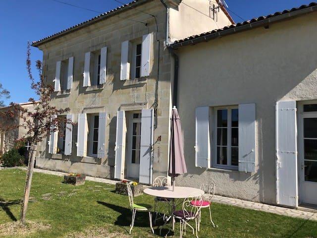 maison de campagne dans le vignoble bordelais
