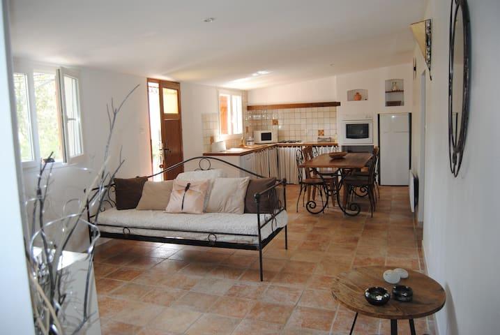 Maison de campagne au coeur de la Provence, Trets
