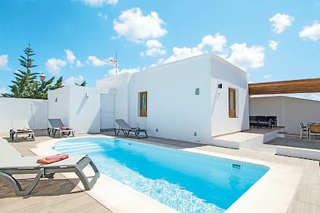 WhitehouseII private pool Marina - Playa Blanca - Villa