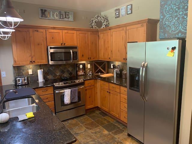 Kitchen (Entry Side)