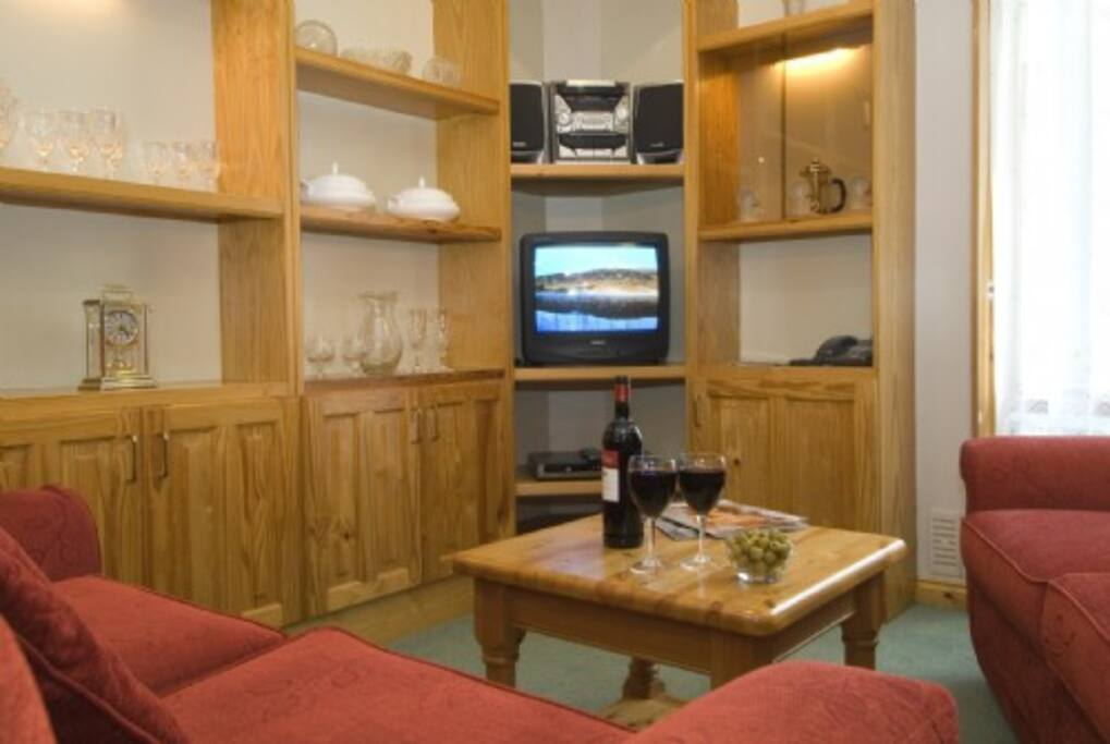 Waterhead Apartments, Ambleside, lounge, Lakes Cottage Holidays